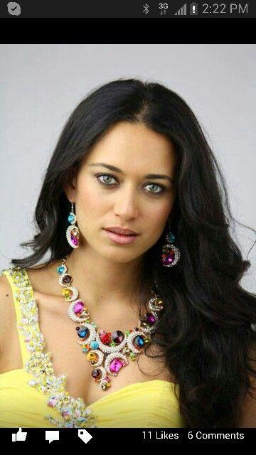 Gloria Blake Face of Aqua Jewels Earth Collection