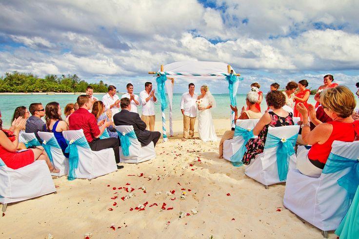 Beautiful Muri Beach Club Hotel Wedding on the beach! #muribeachclubhotel #wedding #beach #sand #beachwedding #cookislands