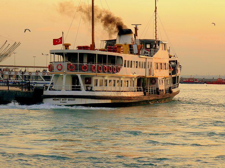 İstanbulun keyfini çıkartmak için çok güzel bir gün :) Nostaljik boğaz vapurlarının yerini hiçbirşey tutamaz... #elanhotelistanbul #closeplaces #istanbul #happy #lovely #kadıköy #vapur