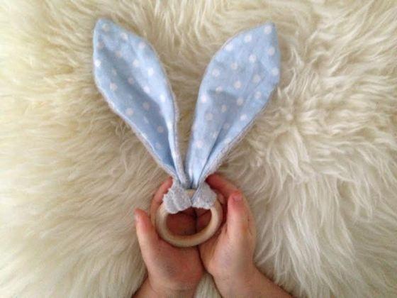 Tuto hochet oreilles de lapin   Je n'ai jamais pensé qu'on pouvait faire autrement ...
