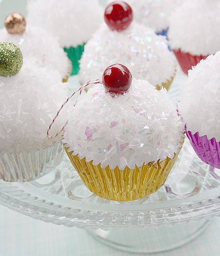 Cupcake Ornament How-To from Bake It Pretty by Amanda Krueger, via Flickr