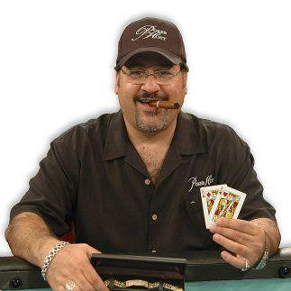 Poker iranian iogear usb-c 3-slot card reader