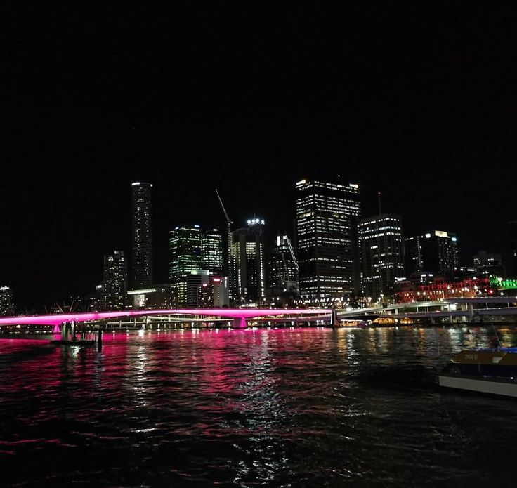 Brisbane by night #nofilter needed #capturedonp10