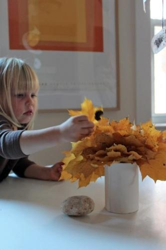 leaves are free!: Anthropologie Pintowin, Autumn, Fall, Remodelista, Centerpieces, Leaves, Diy, Design