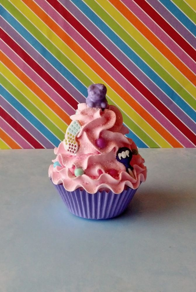 CANDY THEME FAKE CUPCAKE FOR PARTY DECORATIONS AND DISPLAYS #FakeCupcakeCreations