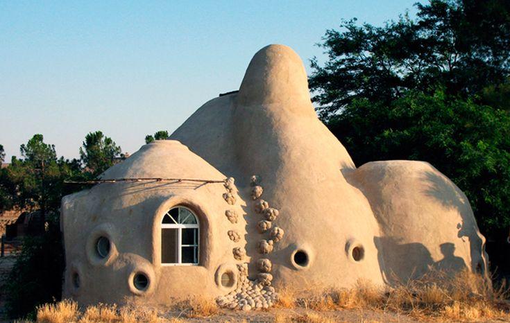 Sheila Ponties Designer: Casas feitas de terra: conheça a bioconstrução #adobe #casas #arquitectura #construcción #casaecologica