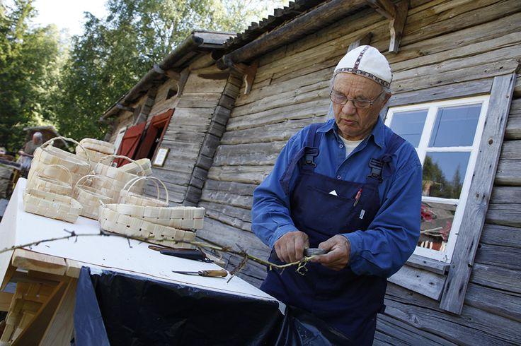 Pärekoreja voi käyttää esimerkiksi marja- tai sienikoreina tai kestävämpiä myös puukoreina. Oulu (Finland)