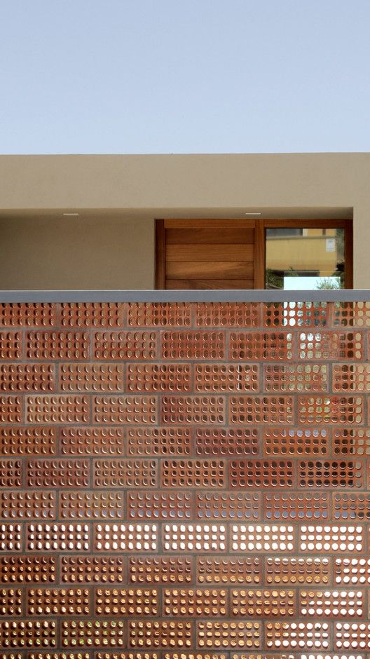 Casa para Pau & Rocio / Arnau Tiñena Architecture   ArchDaily Brasil