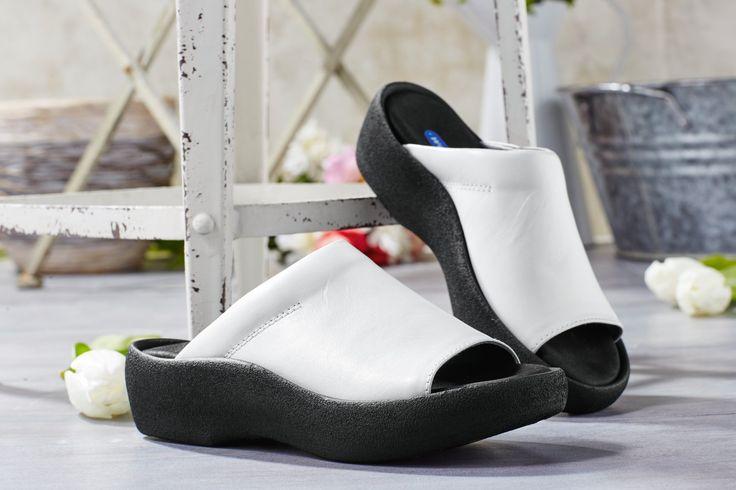 Cleo sind Pantoletten von Wolky und superbequem. Diese Schuhe gehören zu unseren Dauerrennern und sind in allen Farben sehr beliebt bei unseren Kunden.