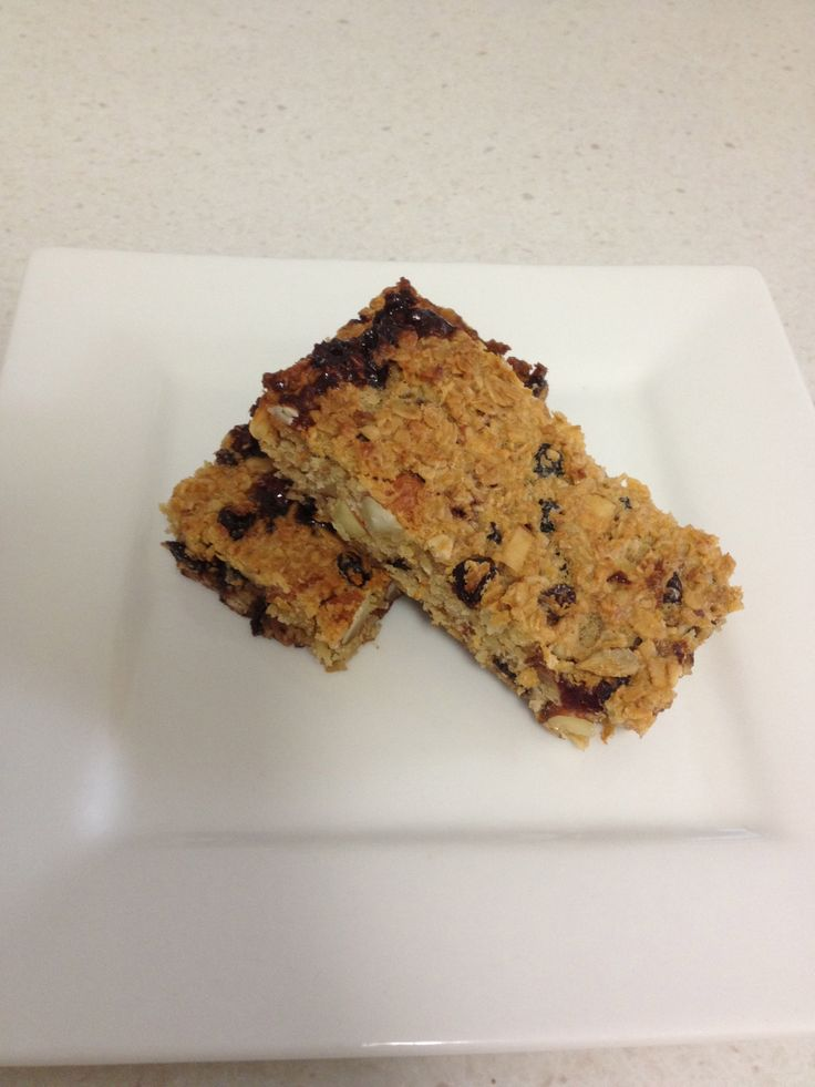 Healthy Homemade Muesli Bars-they are preservative and additive free!  Super healthy and full of protein!  And you can use any dried fruits or nuts!