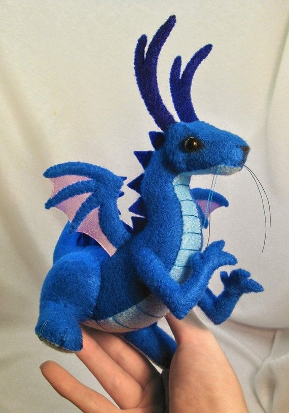 Baby dragon plush pattern by SewLolita on Etsy, $8.50. Wish i could learn faster, this is so awesome