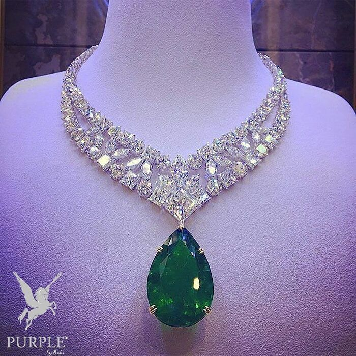 For a lady with a dramatic flair this #Mouawad! necklace will set that dramatic flair to new heights! Feel as regally bedecked in fine jewels as a queen with an astounding 72.24 carat emerald and not a whopping 132.08 carats diamonds. Not too shabby eh? Via @jewelryjournal #purplebyanki #diamonds #luxury #loveit #jewelry #jewelrygram #jewelrydesigner #love #jewelrydesign #finejewelry #luxurylifestyle #instagood #follow #instadaily #lovely #me #beautiful #loveofmylife #dubai #dubaifashion…