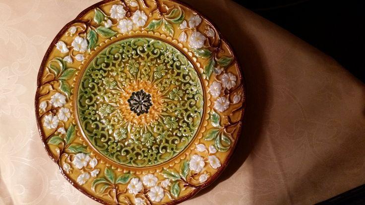 http://galeriasavaria.hu/termekek/reszletek/porcelan/1014292/Sutemenyes/