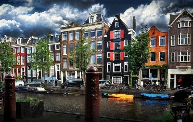 La mejor Appel taart de Amsterdam, está en Winkel, en pleno centro de la cuidad, un lugar muy tranquilo y acogedor.