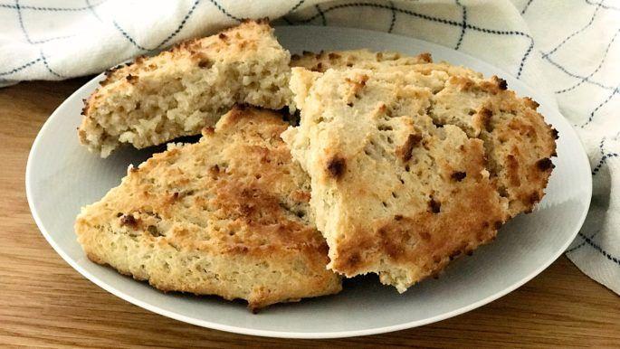 Baka glutenfritt! Här hittar du recept på goda glutenfria frukostfrallor, glutenfria pannkakor,kladdkaka och andrabakverk fria från gluten.