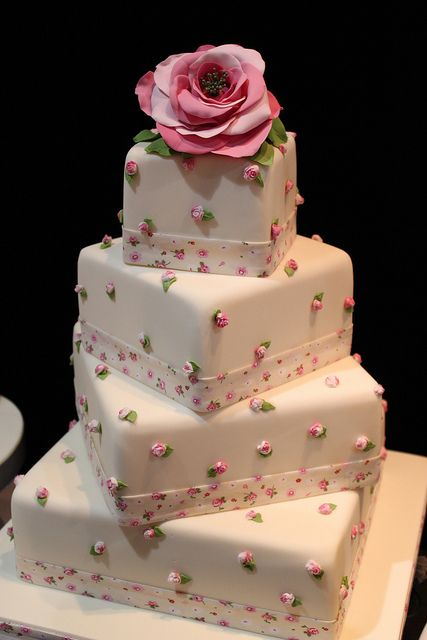 square wedding cakes pinterest 1000 images about cake design square cakes on 20408