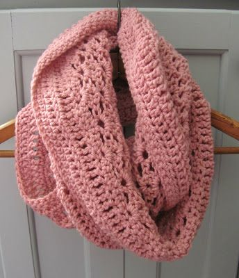 1/2 double crochet: Lacy Shells Scarf