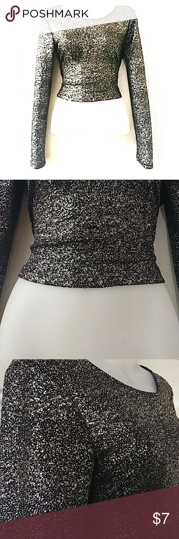 WOMENS TOP SIZE L FOREVER 21~FUN BLACK & SILVER SPARKLY TOP SIZE L FOREVER 21 Tops Crop Tops