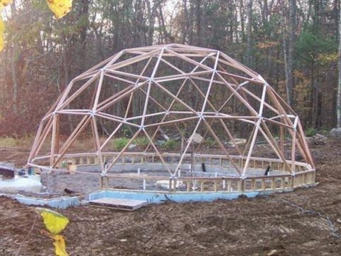 Geodesic Dome Greenhouse - Part 8 - ASSEMBLING THE DOME!