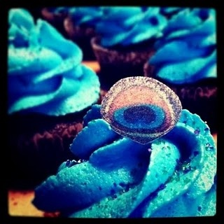 Peacock cupcakes for bridal shower @Kassidy Kriege