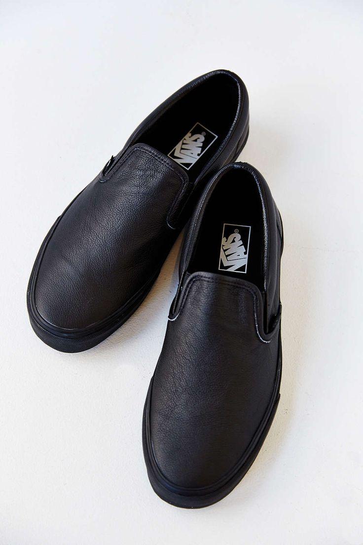 slip on vans all black