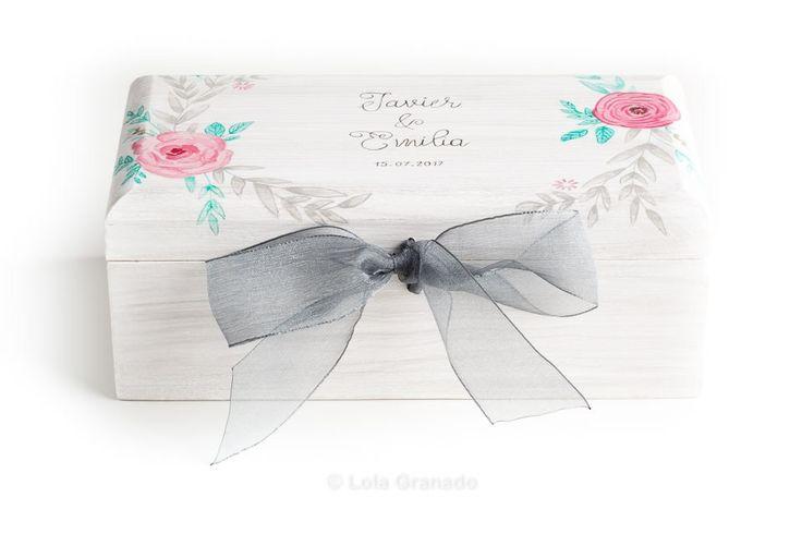 #Caja conjunta #anillos y #arras #boda Javier y Emilia, de #madera #personalizada y pintada a mano. www.lolagranado.com