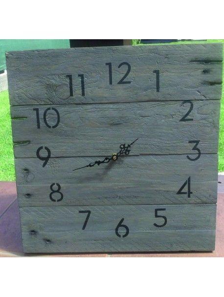 Drevené hodiny krásny deň. A deń je krajší. Kód:  12D40137-1 Wooden clock Stav:  Nový produkt  Dostupnosť:  Skladom  Drevené hodiny na chalupu či do kuchyne, ich nádherný elegantný vzhľad vás vrátia do detstva k babke a ďedkovi. Jedinečný štýl hodín, pocit domova.