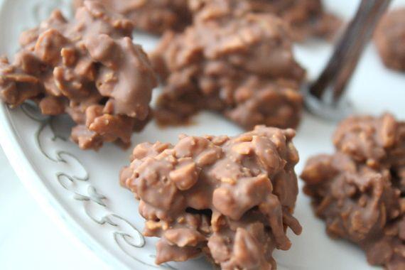 Måste tipsa om detta superenkla chokladgodis som jag bakade häromdagen. Dessa Daim Rocks är verkligenförsvinnande goda! Det du behöver är : 200 gram mjölkchoklad med Daim 1 1/2 – 2 dl cornflakes ( ta lite i taget ) Gör så här : Smält mjölkchokladen över ett vattenbad,smula ner cornflakes lite … Läs mer