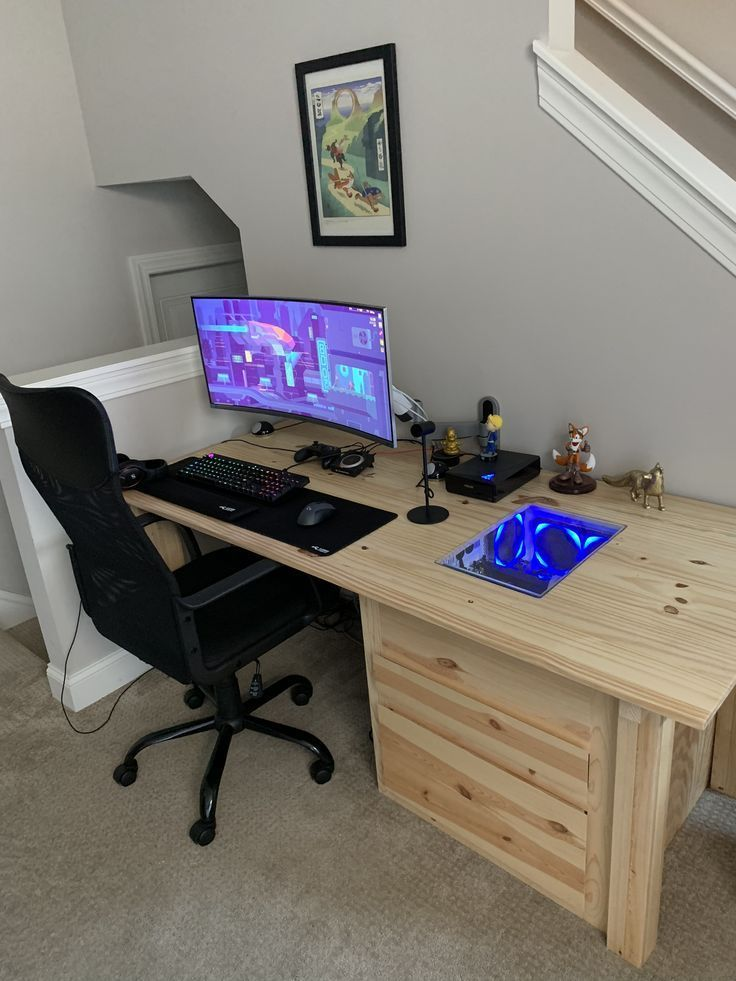 Pinned To Do It Yourself On Pinterest Built In Computer Desk