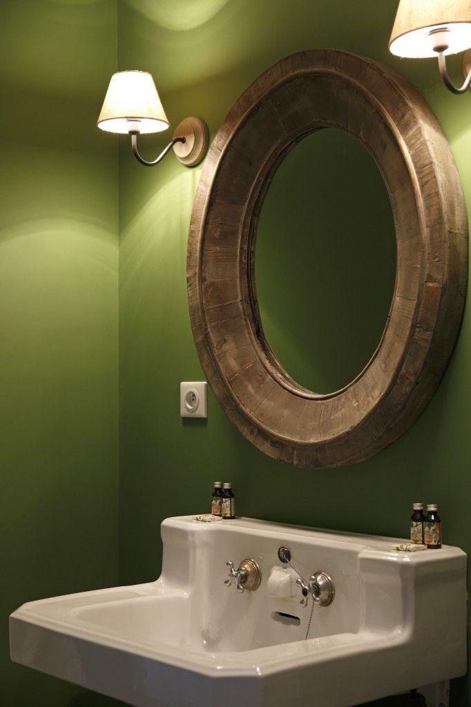 17 meilleures id es propos de couleurs de salle de bain for Peinture murale vert amande