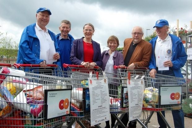 Lions Club Allerød hold food collection for Romania