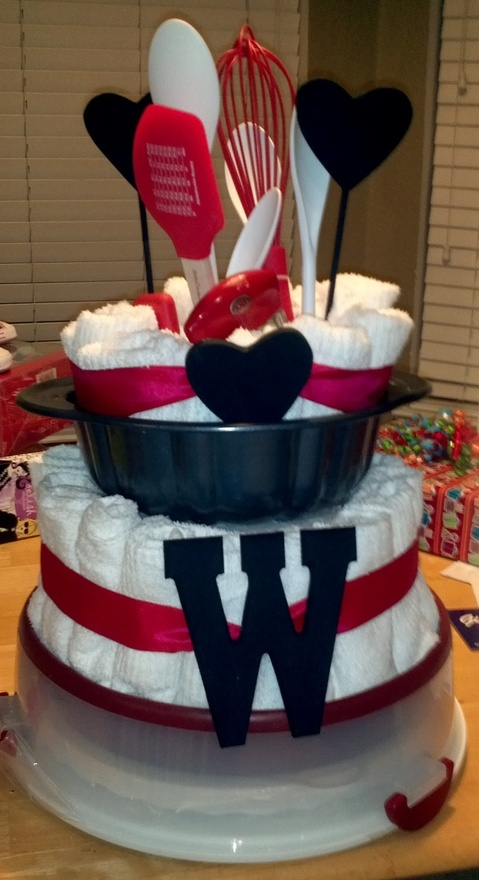 Gift Ideas For Wedding Shower: 1000+ Images About Diaper And Towel Cake Ideas On Pinterest