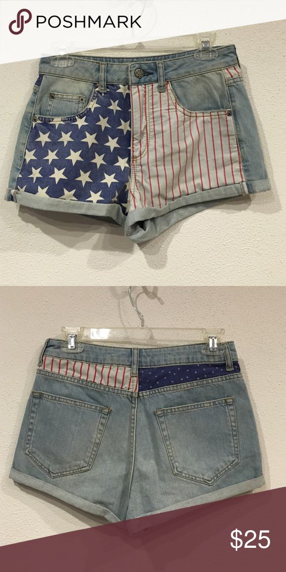 ‼️On Sale‼️ Topshop American shorts Excellent condition. No trades. - Topshop Shorts Jean Shorts