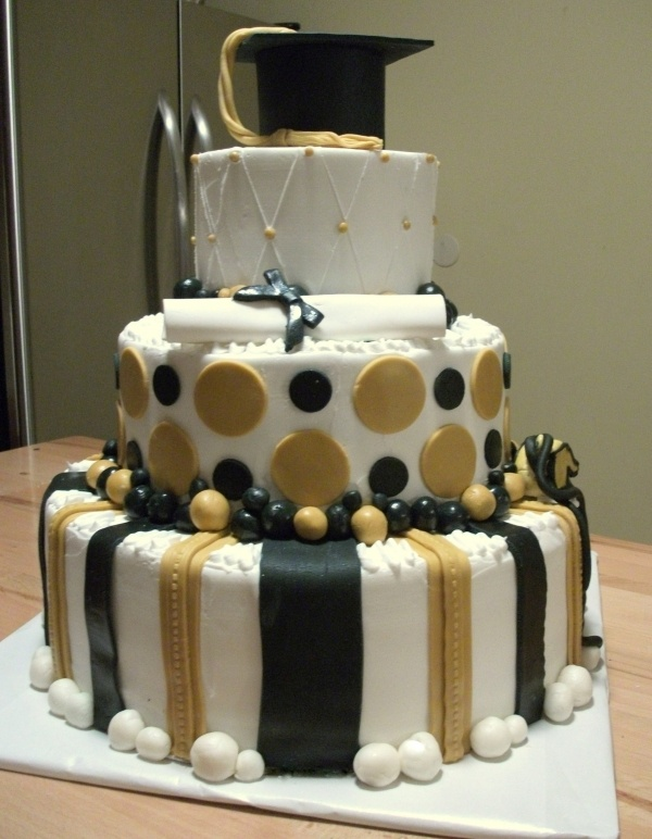 Black And Gold Decorations Ideas