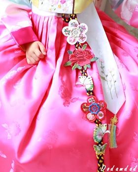 hanbok accessory Norigae 노리개.눈물고름 W14,000 http://dodamdodam.com/goods_detail.php?goodsIdx=3744