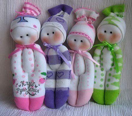 Носочек и пару свободных рук творят чудеса в импровизации кукол творения.