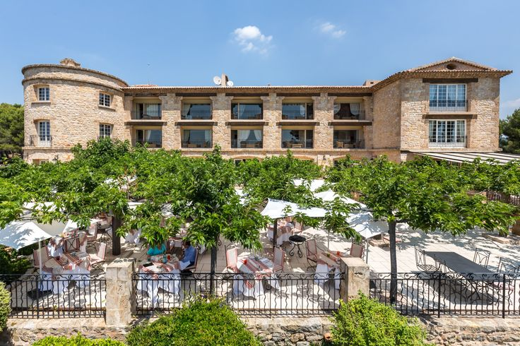 La Bastide de Tourtour is an ideal place to relax and discover our beautiful region and also a perfect setting for your seminars and business cocktails.