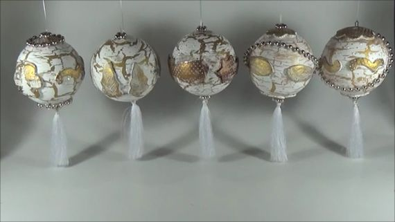 Christmas balls with craft glue crackles