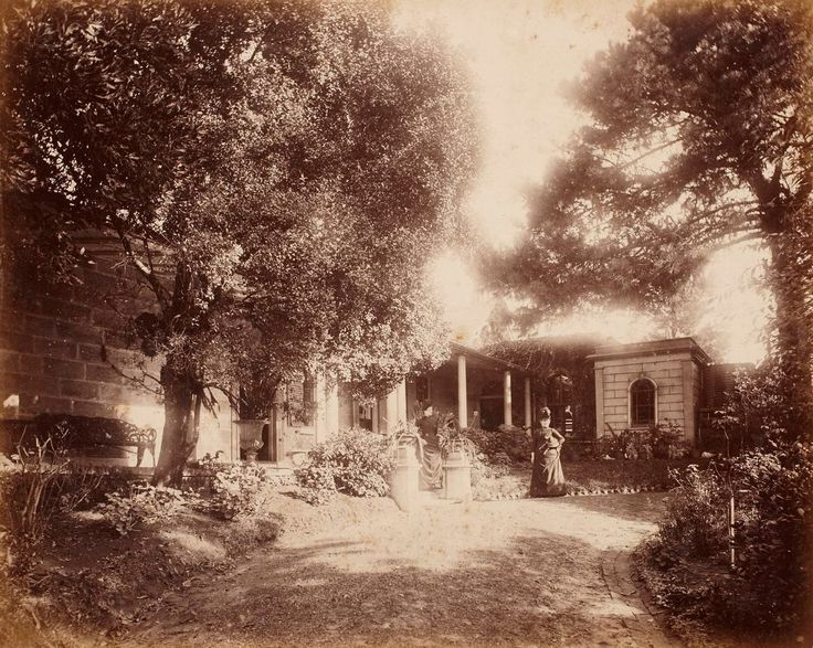 Front entrance, Clifton, Kirribilli Point, around 1888 / photographer unknown
