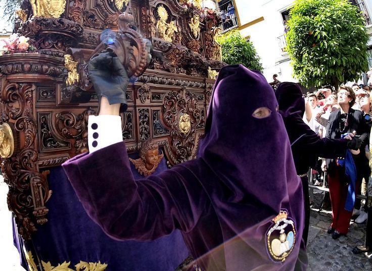 Las fotos del Beso de Judas el Lunes Santo de la Semana Santa de Sevilla 2017