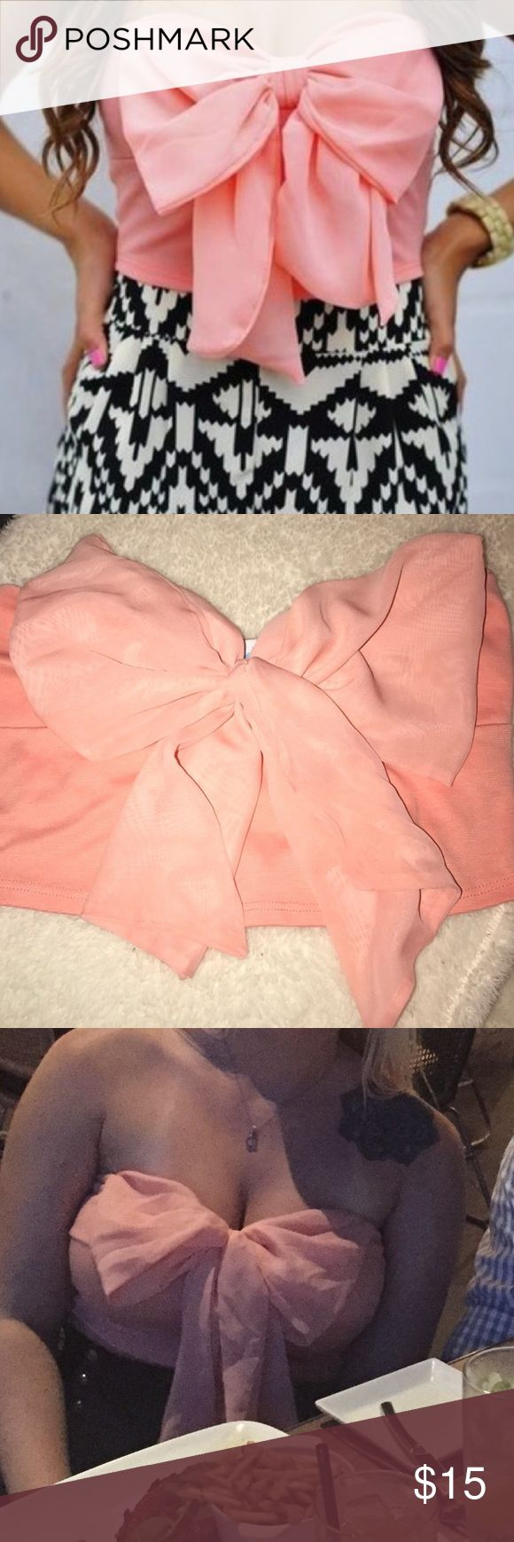 ♚ Bow Crop Top Very cute bow top! Only worn once. Shop Hope's Tops Crop Tops