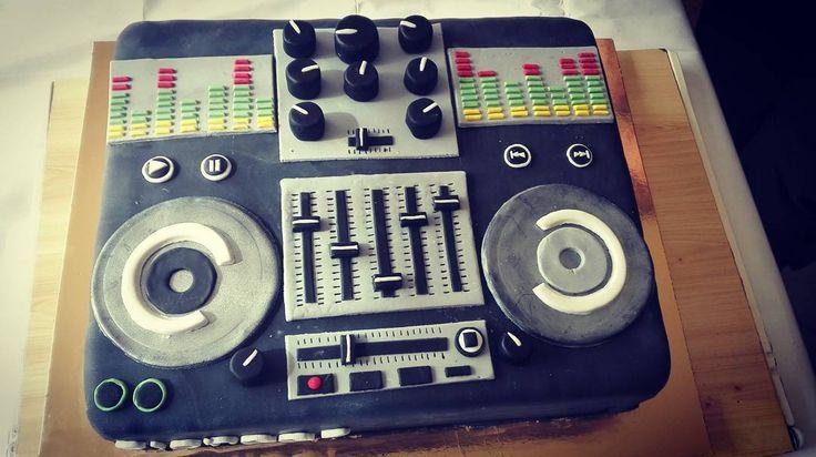 Dj cake  #diy #cake #dj #djcake