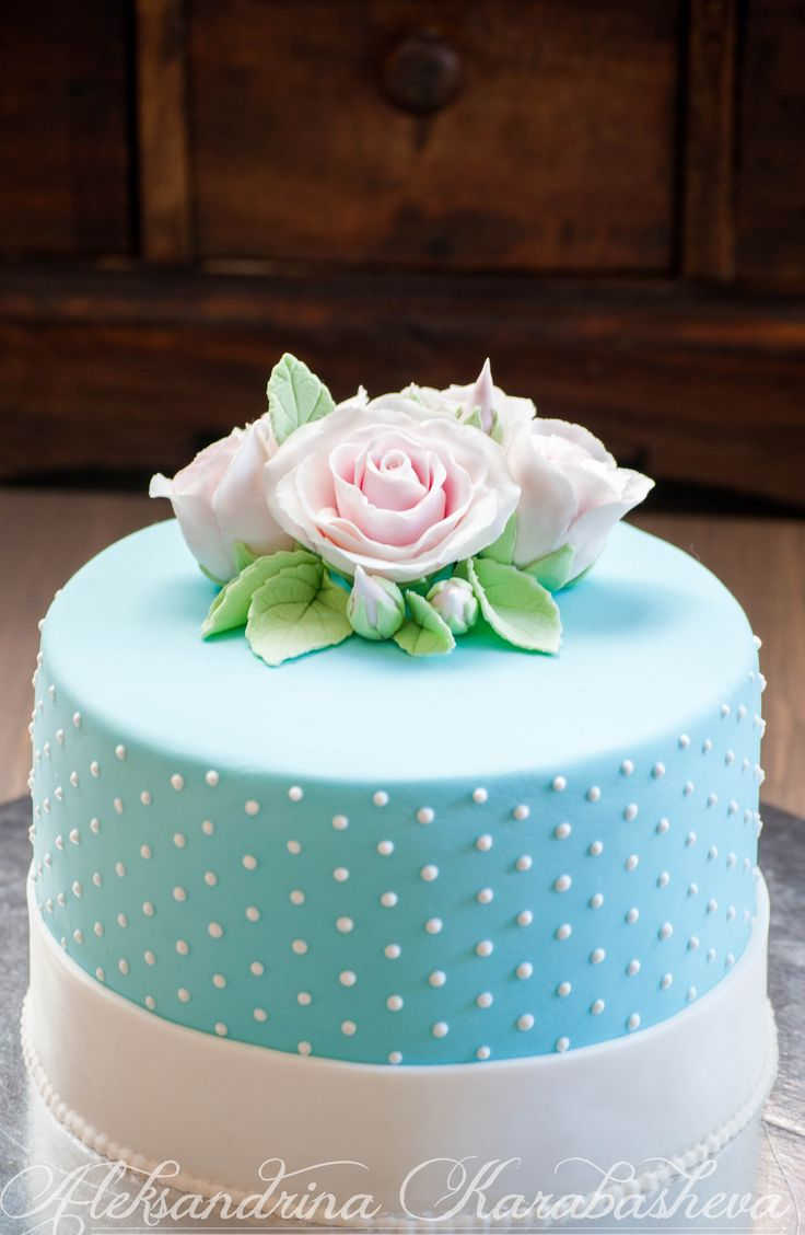 Shabby-chic ladies cake! <3