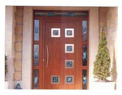 Puerta de exterior combinada con cristal dise ada para for Puertas cristal exterior precios