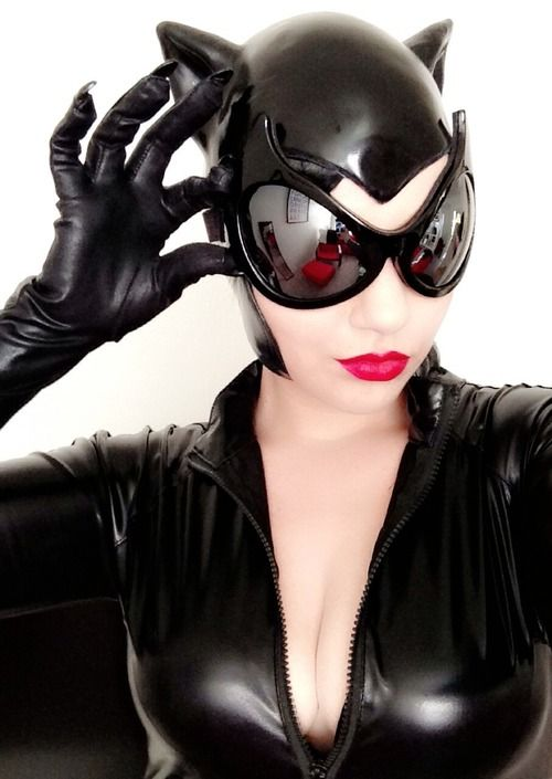 Catwoman! Catsuits, Bondage and Fetish, Chemise, Bras and Panties, Corsets and Bustiers, Gowns, Stockings, Tights, Boy Shorts, Costumes,  Bridal, Plus Size, Teddies and much more @ http://happyhoohoo.net/cat/Lingerie_and_Sexy_Apparel