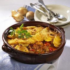 Pfunds-Gulasch mit Kartoffelkruste Rezept | LECKER