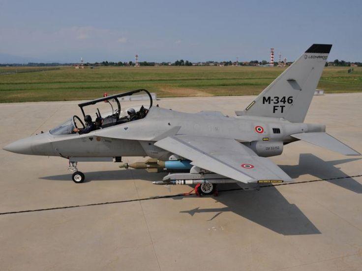 Típusok   Az olasz Leonardo-Finmeccanica vállalat bemutatta az M-346 Master típusú kiképző repülőgép felfegyverezhető, harci verzióját, az M-346FT-t.