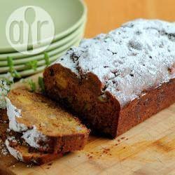 Honig-getränkter Früchtekuchen - Dieser Früchtekuchen für das jüdische Neujahr Rosch haschana wird nach dem Backen mit Honig-Orangensirup getränkt.@ de.allrecipes.com