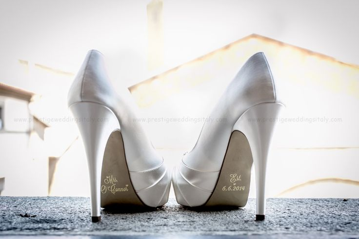 Wedding shoe decal for wedding in Italy with wedding date and bride's surname.