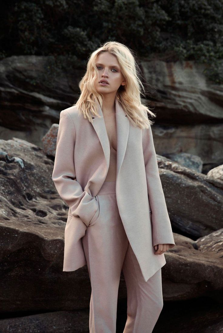 pale pink suit #style #fashion #workwear